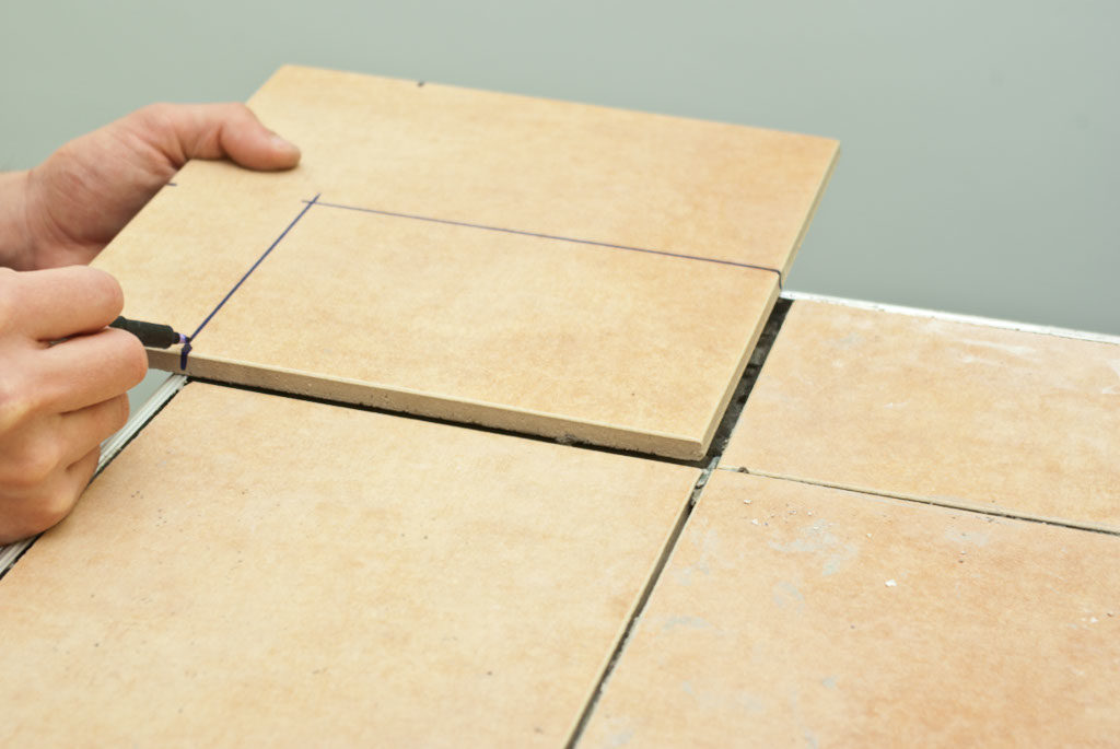 how to cut porcelian tile