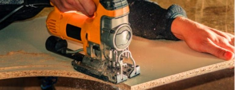 cutting hole with jigsaw